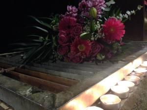 Ofrena floral amb 75 espelmes per remarcar els anys de lluita des de l'assassinat del president Companys