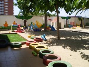 L'objectiu: definir com a mínim un pati d'escola per districte i estimar com la seva obertura pot afavorir unes funcions socials o de territori determinades depenent de l'entorn.