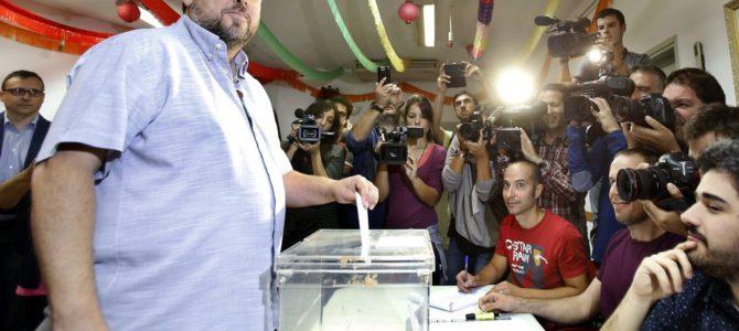 FEM QUE LA DEMOCRÀCIA GUANYI