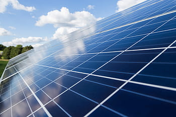 La  transició energètica és ineludible per afrontar la crisi climàtica que vivim, una transició que abandona l'energia nuclear i els combustibles fòssils per unes energies renovables i més sostenibles.